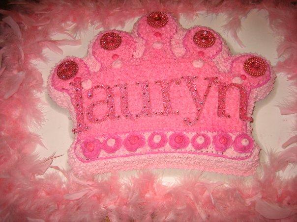 princess cake with boa