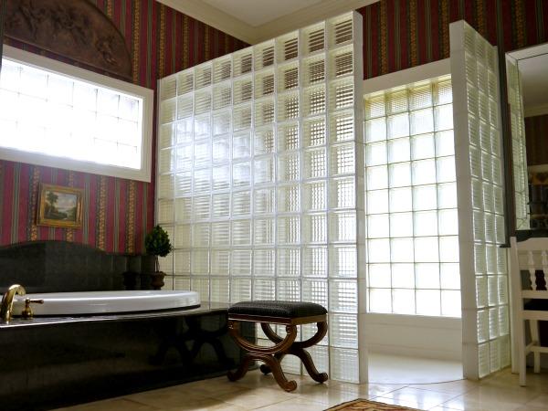 mom inspiration 5 glass block shower wall c r a f t. Black Bedroom Furniture Sets. Home Design Ideas