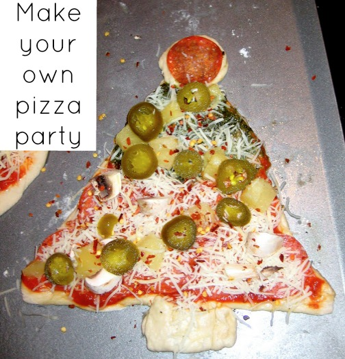 Christmas Pizza Party {Christmas Parties}