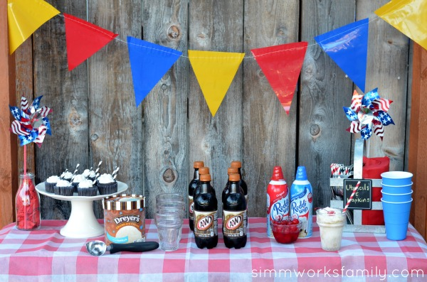 Root beer float dessert food bar idea