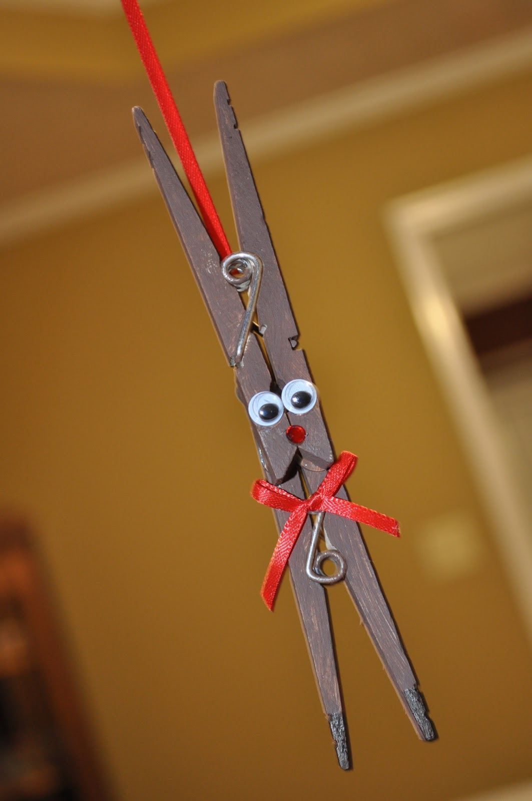 Christmas crafts for kids c r a f t for Clothespin crafts for adults