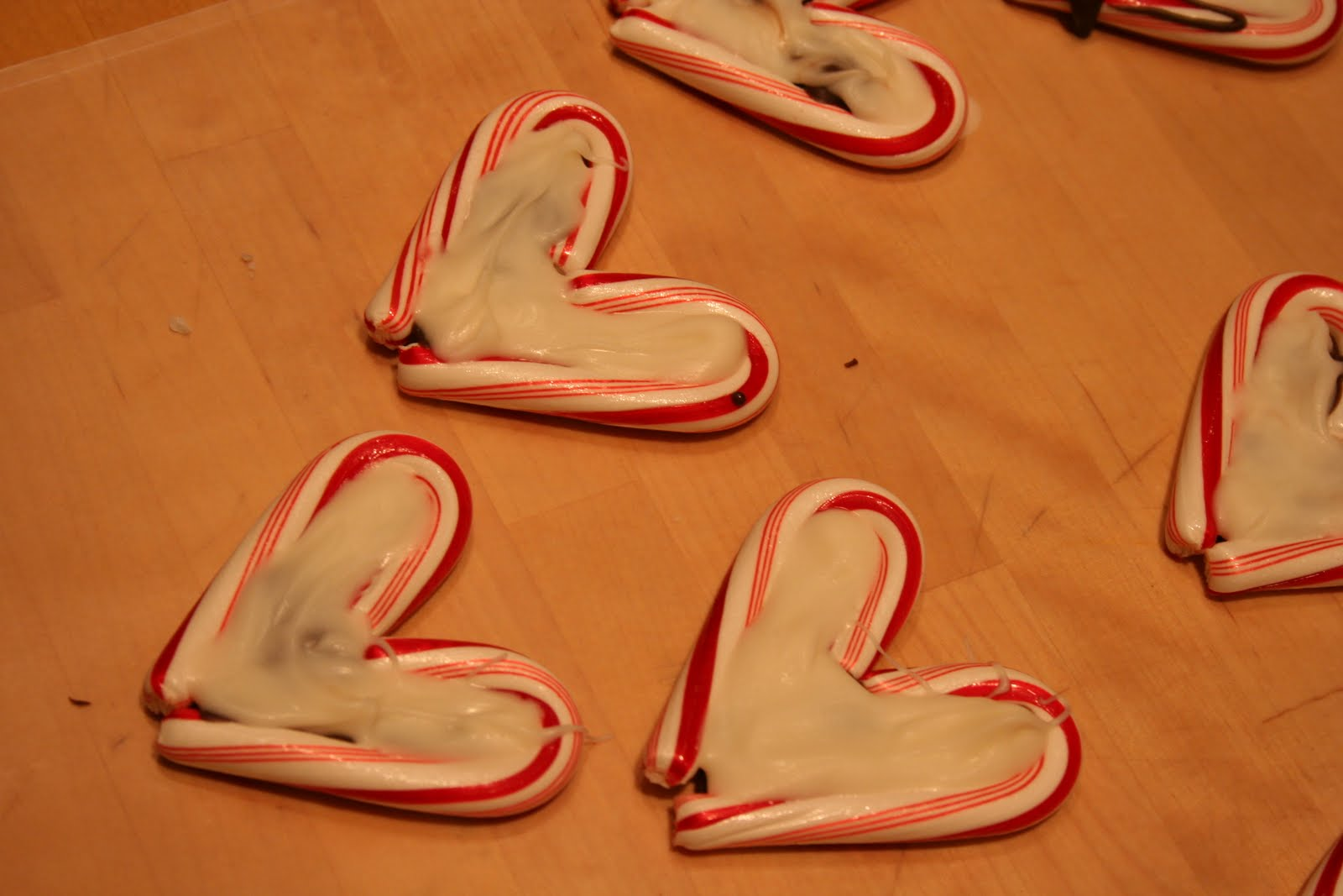 Christmas Craft Ideas With Candy Canes Part - 33: Candy Cane Hearts · Edible Christmas Craft