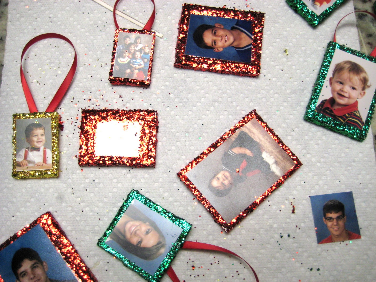 Christmas tree picture frame ornaments - Handmade Christmas Ornaments