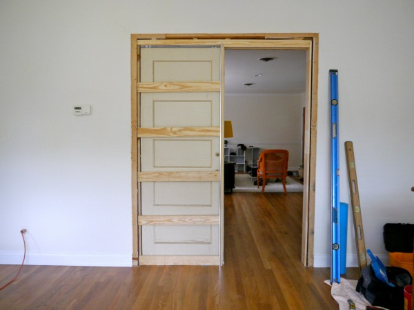 How to build a pocket door & How to build a pocket door - C.R.A.F.T.