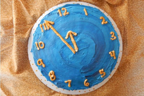 Countdown clock cake