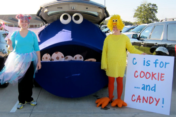 Cookie monster trunk or treat 600