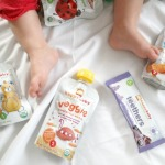 Feeding baby solids {Happy Family}