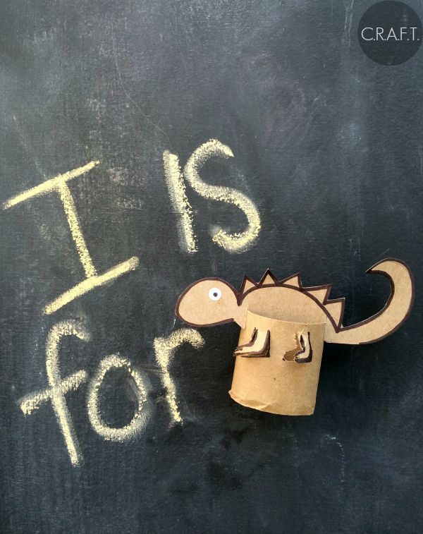 I is for iguana! Toilet paper roll crafts for kids!