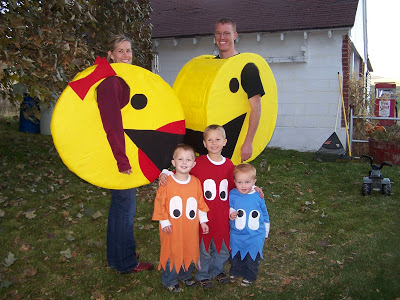 DIY Pac Man group costume idea