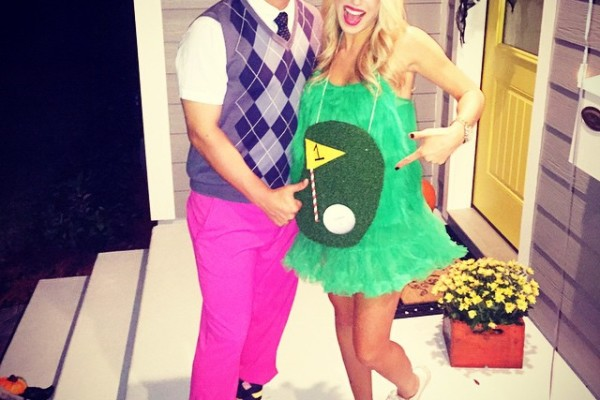 Hole-in-one pregnant halloween couple costume