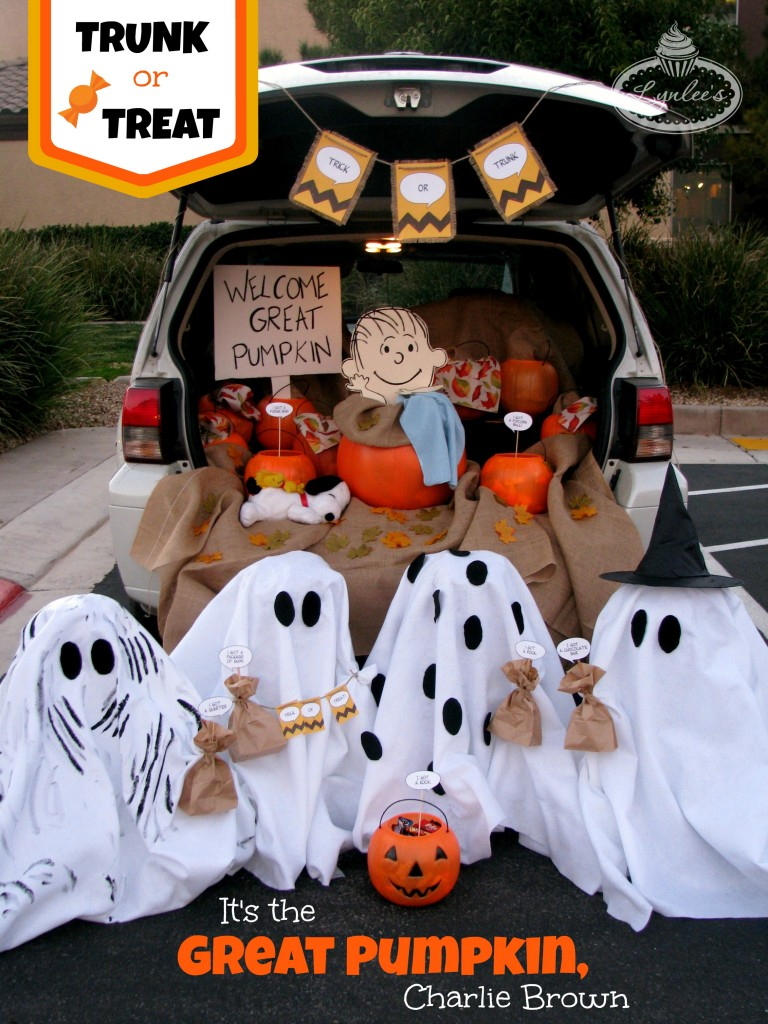 Charlie Brown trunk or treat idea