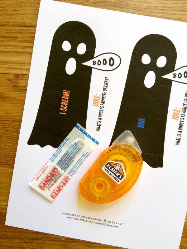 Bandaid ghosts perfect for non candy Halloween treats