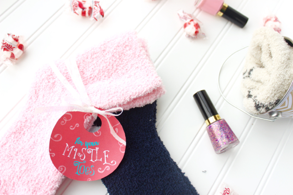 DIY Chrsitmas gift ideas ... For your mistle toes free printable!