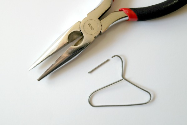 How to make a paperclip hanger