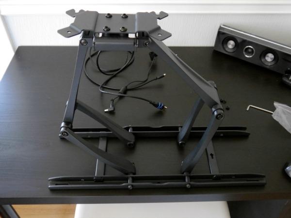 How to hang computer screens
