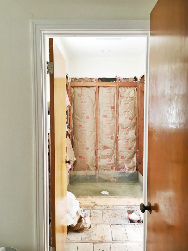 Great small bathroom remodel tips and tricks