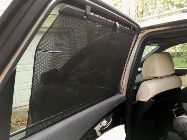 Kia Sorento built in sun shades