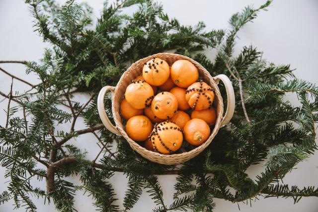 DIY pomander balls centerpeice