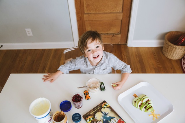 Yogurt and peanut butter snack for kids