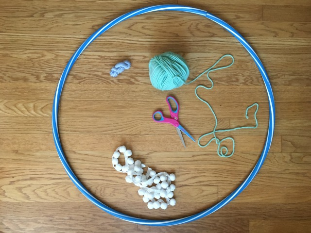 What you need to make a DIY hula hoop baby toy