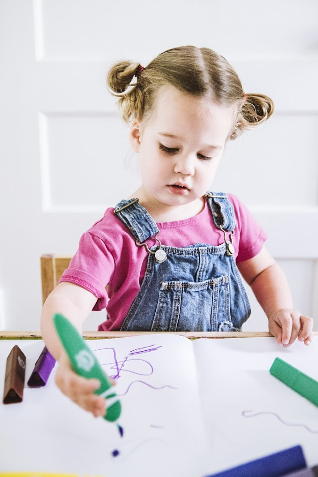 Crafts for toddlers that aren't so messy