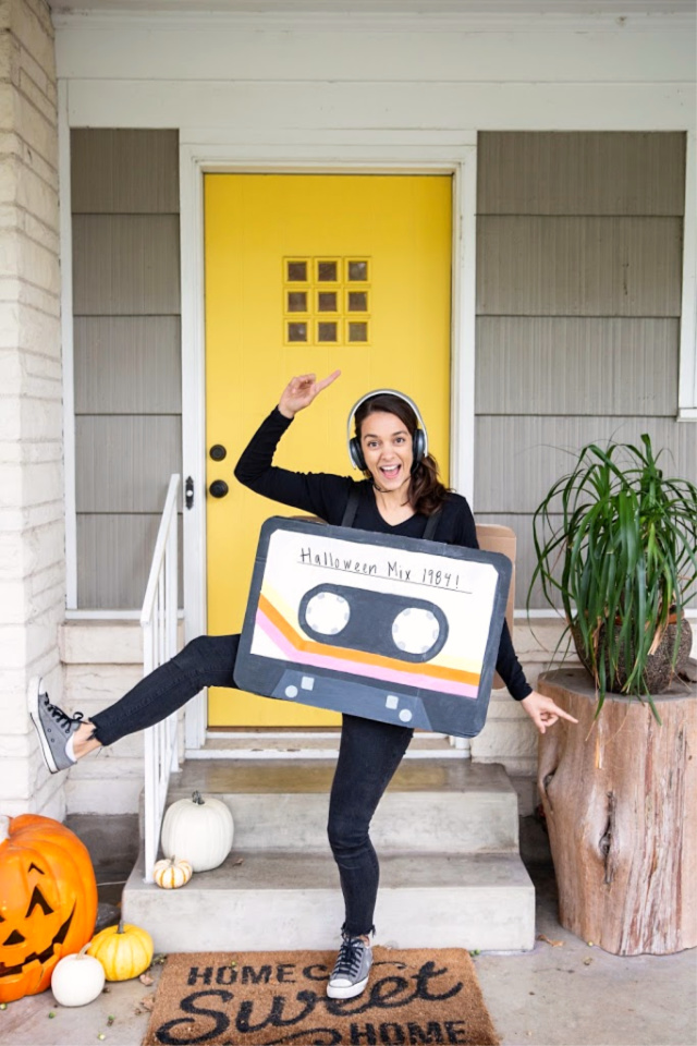 80's costumes- DIY cassette tape