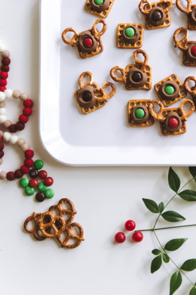 3 ingredient cookies with pretzels