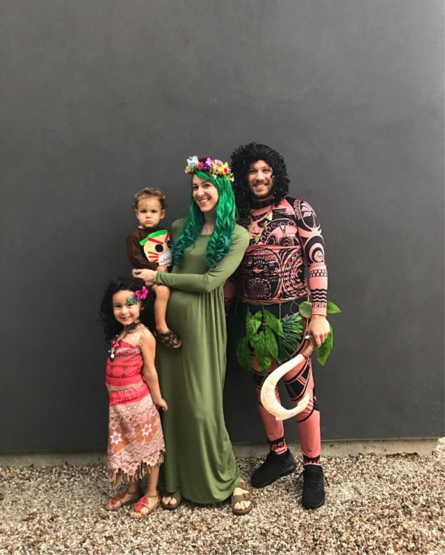 DIY Moana family costumes