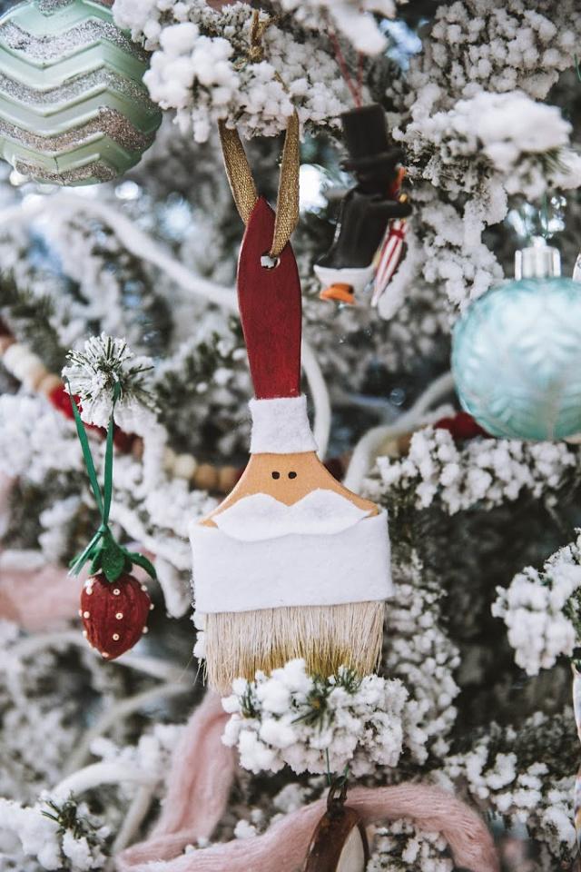 DIY Santa paintbrush ornaments
