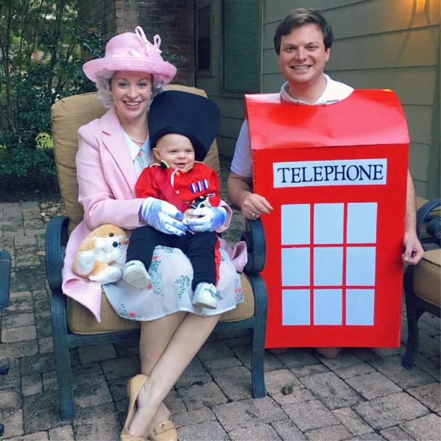 Queen Elizabeth family costume