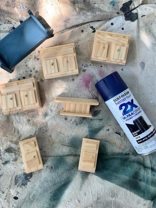 DIY dollhouse with Rust-Oleum spray paint (1)