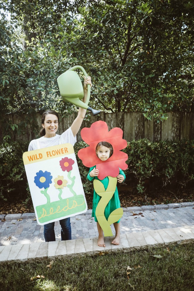 Cardboard flower costume DIY
