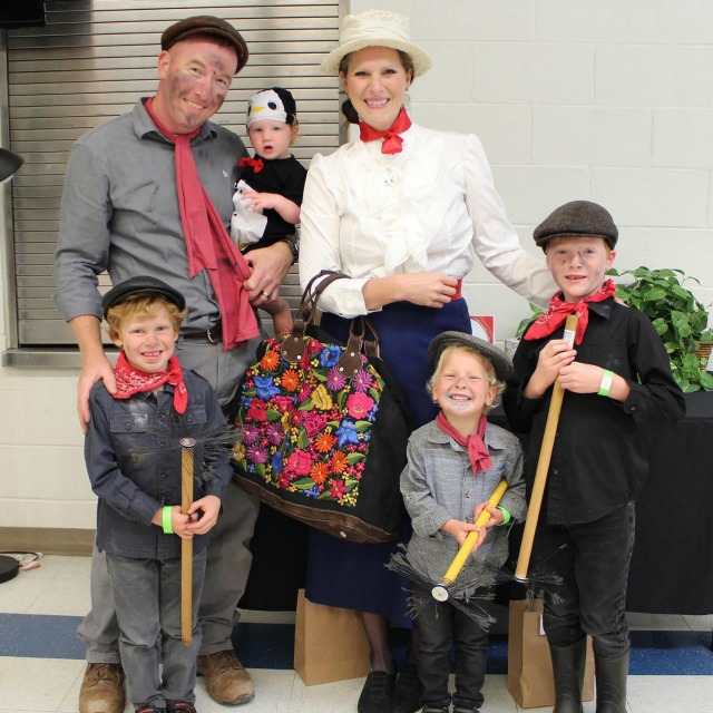 DIY Mary Poppins Family Costume