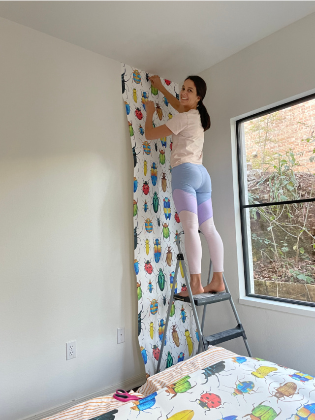 how to apply Walls need love wallpaper